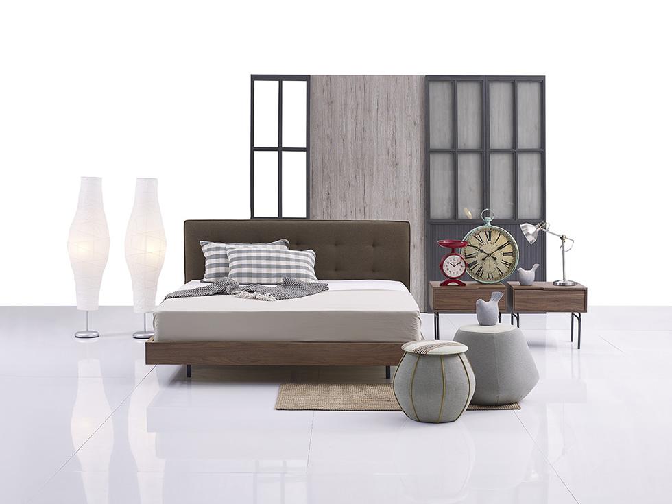 Giường và tủ đầu giường Centrocasa của bộ sưu tập Tara