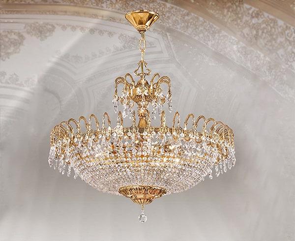 Những chiếc đèn chùm nhập khẩu châu Âu phong cách tân cổ điển