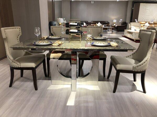 Điểm qua 3 bộ bàn ăn cao cấp làm bừng sáng mọi không gian phòng ăn