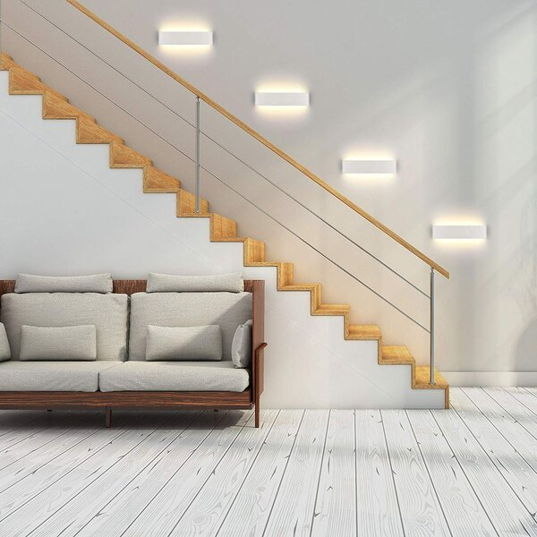 Bố trí đèn ở 1 bên cầu thang