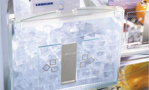 Tủ lạnh LiebherrCBNes 5167 BioFresh - Plus hệ thống làm đá tự động thông minh