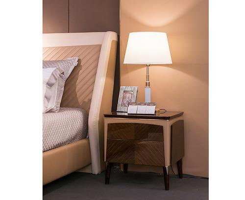 Tủ đầu giường Arture - FA03 được làm bằng gỗ Ash dán veneer Nestle, sơn PU, bọc da.
